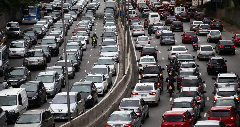 IPVA com desconto para carros com placa final 2 em São Paulo vence amanhã